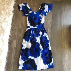 BANANA REPUBLIC PLEATED DRESS